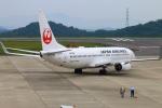 Kuuさんが、岡山空港で撮影した日本航空 737-846の航空フォト(飛行機 写真・画像)