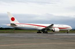 なごやんさんが、千歳基地で撮影した航空自衛隊 777-3SB/ERの航空フォト(写真)