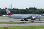 SFJ_capさんが、成田国際空港で撮影したオーストリア航空 777-2B8/ERの航空フォト(写真)