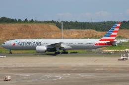 万華鏡AIRLINESさんが、成田国際空港で撮影したアメリカン航空 777-323/ERの航空フォト(写真)