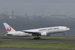 RYO13さんが、羽田空港で撮影した日本航空 777-289の航空フォト(写真)