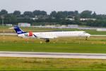 jombohさんが、デュッセルドルフ国際空港で撮影したスカンジナビア航空 CL-600-2D24 Regional Jet CRJ-900LRの航空フォト(写真)