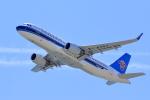 やまさんが、関西国際空港で撮影した中国南方航空 A320-214の航空フォト(写真)