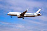 まいけるさんが、ロンドン・ヒースロー空港で撮影したプライム・エイビエーション A320-214X CJ Prestigeの航空フォト(写真)