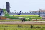 多楽さんが、成田国際空港で撮影したS7航空 A320-271Nの航空フォト(写真)