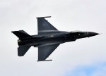 バーダーさんが、札幌飛行場で撮影したアメリカ空軍 F-16CM-50-CF Fighting Falconの航空フォト(写真)