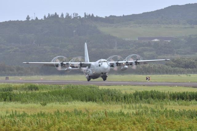 海上自衛隊 Lockheed C-130 Herc...