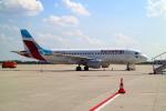 szkkjさんが、ミュンヘン・フランツヨーゼフシュトラウス空港で撮影したユーロウイングス A320-214の航空フォト(飛行機 写真・画像)