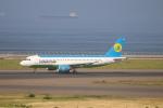 航空研究家さんが、中部国際空港で撮影したウズベキスタン航空 A320-214の航空フォト(写真)
