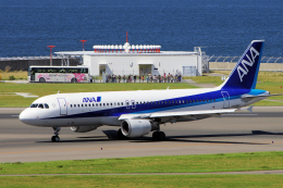yabyanさんが、中部国際空港で撮影した全日空 A320-211の航空フォト(写真)