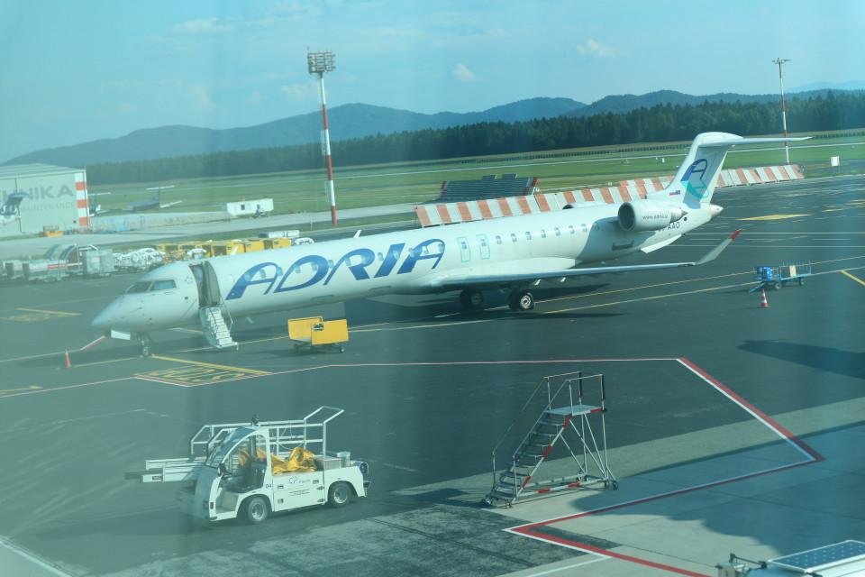 シフォンさんのアドリア航空 Bombardier CRJ-900 (S5-AAO) 航空フォト