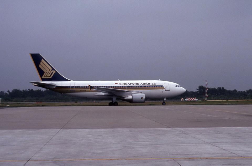 kumagorouさんのシンガポール航空 Airbus A310-300 (9V-STA) 航空フォト
