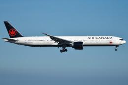 renseiさんが、羽田空港で撮影したエア・カナダ 777-333/ERの航空フォト(写真)