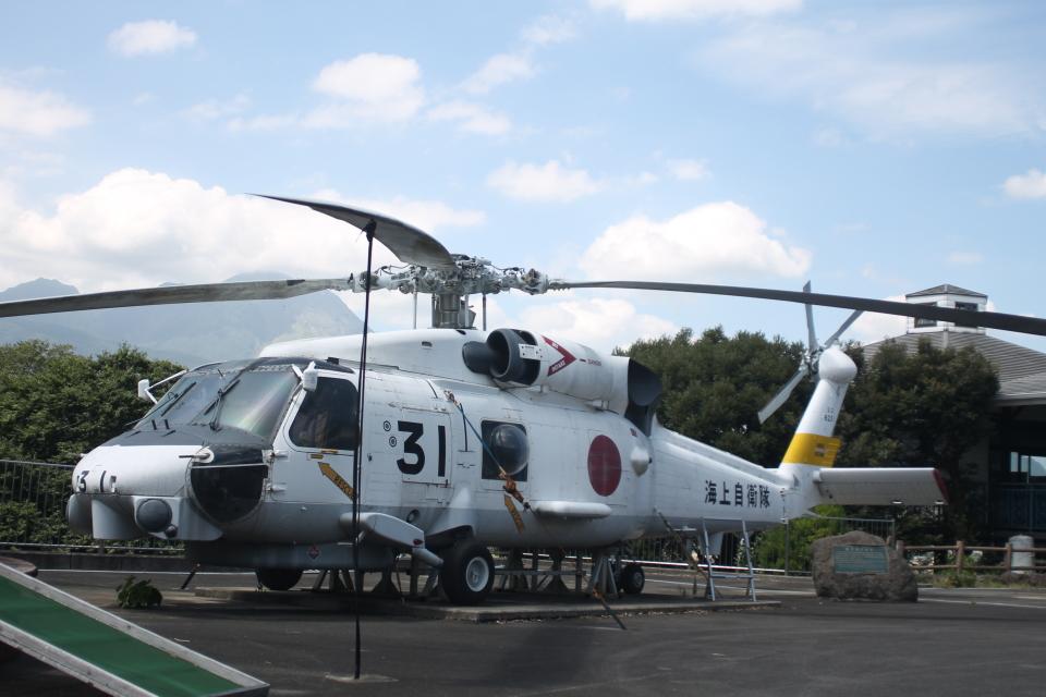 ジャンクさんの海上自衛隊 Mitsubishi SH-60J (8231) 航空フォト