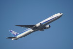 senbaさんが、羽田空港で撮影した全日空 777-381の航空フォト(写真)