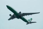 FRTさんが、関西国際空港で撮影したエバー航空 A330-302の航空フォト(飛行機 写真・画像)