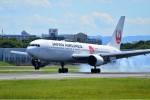 @あきやんさんが、伊丹空港で撮影した日本航空 767-346/ERの航空フォト(写真)