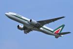 yabyanさんが、成田国際空港で撮影したアリタリア航空 777-243/ERの航空フォト(飛行機 写真・画像)