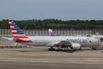 わいどあさんが、成田国際空港で撮影したアメリカン航空 777-223/ERの航空フォト(写真)