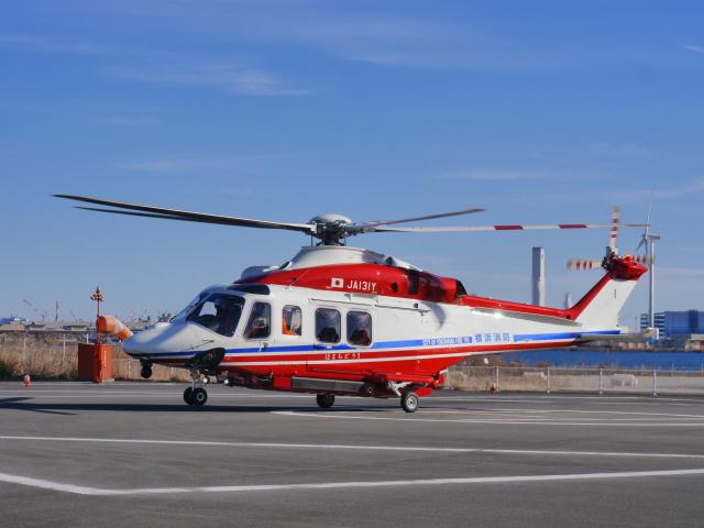 YFAR2さんが、みなとみらいヘリポートで撮影した横浜市消防航空隊 AW139の航空フォト(飛行機 写真・画像)