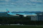 FRTさんが、新千歳空港で撮影した大韓航空 777-2B5/ERの航空フォト(飛行機 写真・画像)
