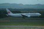 FRTさんが、新千歳空港で撮影した日本航空 767-346/ERの航空フォト(飛行機 写真・画像)