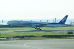 FRTさんが、那覇空港で撮影した全日空 777-381の航空フォト(写真)