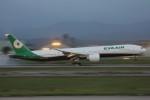 コギモニさんが、小松空港で撮影したエバー航空 777-3AL/ERの航空フォト(写真)