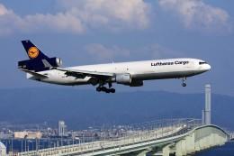 T.Sazenさんが、関西国際空港で撮影したルフトハンザ・カーゴ MD-11Fの航空フォト(飛行機 写真・画像)