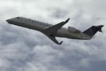 planetさんが、オヘア国際空港で撮影したユナイテッド・エクスプレス CRJ-200の航空フォト(写真)
