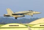 Tomo_mcz_lgmさんが、新田原基地で撮影したアメリカ海軍 F/A-18C Hornetの航空フォト(写真)
