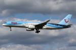 sky-spotterさんが、ロンドン・ガトウィック空港で撮影したトゥイ・エアウェイズ 757-28Aの航空フォト(飛行機 写真・画像)