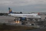 uhfxさんが、パリ シャルル・ド・ゴール国際空港で撮影したスモール・プラネット・エアラインズ・ポーランド A320-233の航空フォト(写真)