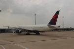 uhfxさんが、パリ シャルル・ド・ゴール国際空港で撮影したデルタ航空 777-232/LRの航空フォト(写真)