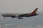 uhfxさんが、香港国際空港で撮影したアシアナ航空 777-28E/ERの航空フォト(飛行機 写真・画像)