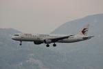 uhfxさんが、香港国際空港で撮影した中国東方航空 A321-211の航空フォト(飛行機 写真・画像)