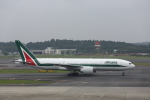 ATOMさんが、成田国際空港で撮影したアリタリア航空 777-243/ERの航空フォト(飛行機 写真・画像)