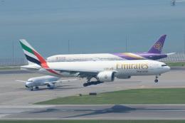 NH642さんが、香港国際空港で撮影したエミレーツ航空 777-F1Hの航空フォト(飛行機 写真・画像)
