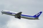 tkosadaさんが、羽田空港で撮影した全日空 767-381の航空フォト(写真)