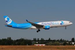 ぼんやりしまちゃんさんが、パリ オルリー空港で撮影したフレンチビー A330-323Xの航空フォト(飛行機 写真・画像)