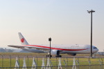 funi9280さんが、新千歳空港で撮影した航空自衛隊 777-3SB/ERの航空フォト(写真)