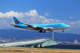 T.Sazenさんが、関西国際空港で撮影した大韓航空 747-4B5F/SCDの航空フォト(飛行機 写真・画像)