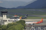 ピーチさんが、岡山空港で撮影したTAG エイビエーション UK 757-2K2の航空フォト(写真)