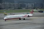 Kanatoさんが、台北松山空港で撮影した遠東航空 MD-82 (DC-9-82)の航空フォト(写真)