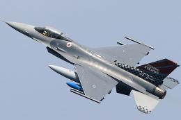take_2014さんが、横田基地で撮影したアメリカ空軍 F-16CM-40-CF Fighting Falconの航空フォト(写真)