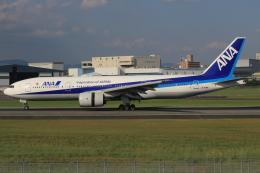 キイロイトリさんが、伊丹空港で撮影した全日空 777-281/ERの航空フォト(写真)