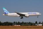 ぼんやりしまちゃんさんが、パリ オルリー空港で撮影したユーロアトランティック・エアウェイズ 777-212/ERの航空フォト(写真)