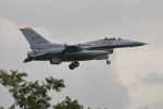 nobu_32さんが、横田基地で撮影したアメリカ空軍 F-16CM-50-CF Fighting Falconの航空フォト(写真)