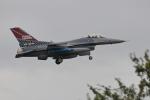 nobu_32さんが、横田基地で撮影したアメリカ空軍 F-16CM-40-CF Fighting Falconの航空フォト(写真)