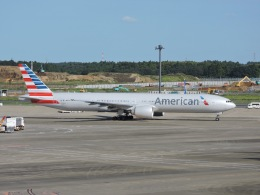 ゆうだいDL96さんが、成田国際空港で撮影したアメリカン航空 777-323/ERの航空フォト(写真)